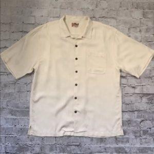 Hilo Hattie 100% Silk Pineapple Short Sleeve Shirt